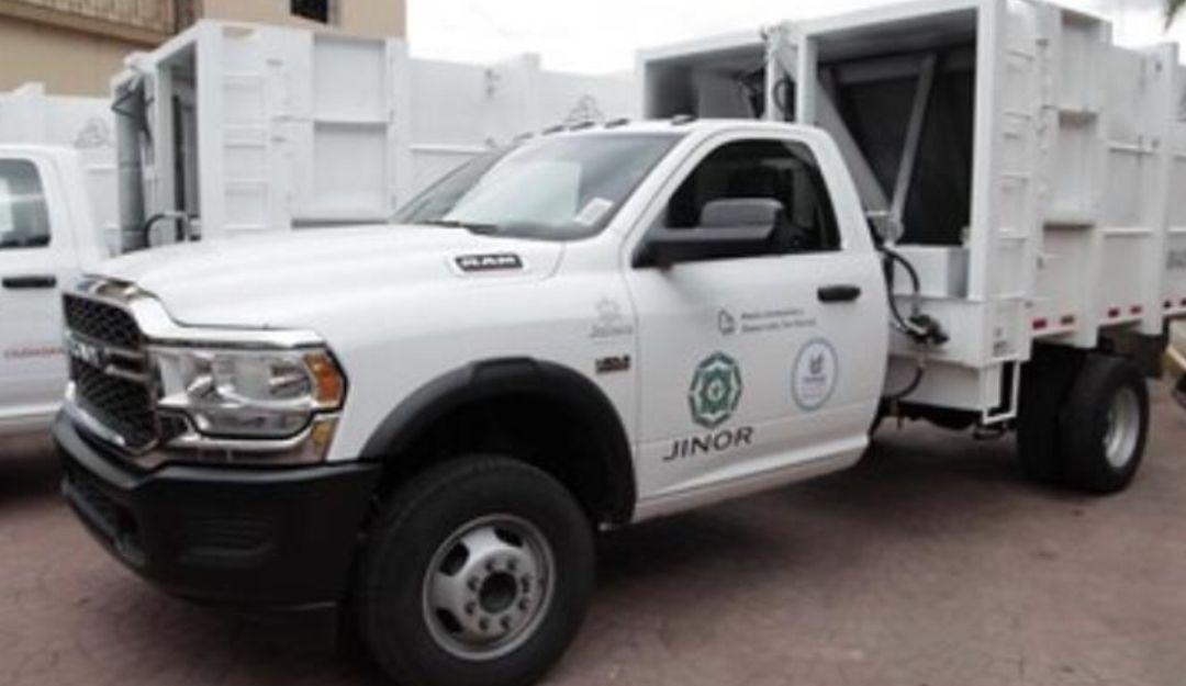 Entregan camiones de basura a municipios