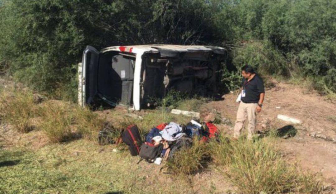 Reporteros de presidencia sufren accidente en gira de AMLO por Sonora