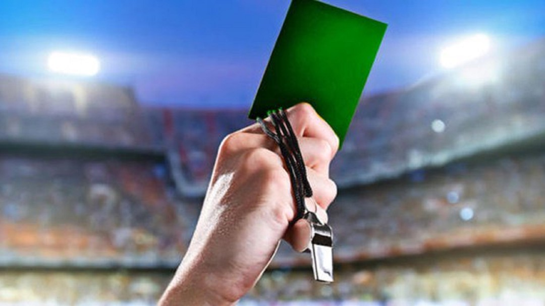 SOPITAS: El futbol valenciano aprueba el uso de la tarjeta verde