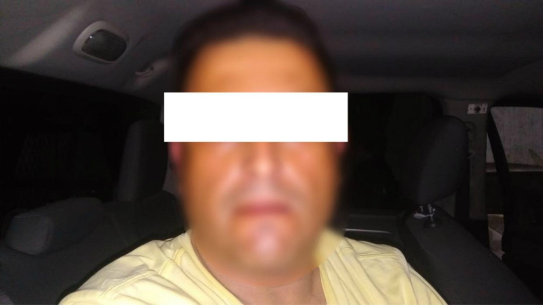 Intenta sacar préstamo con identificaciones ajenas en Guadalajara