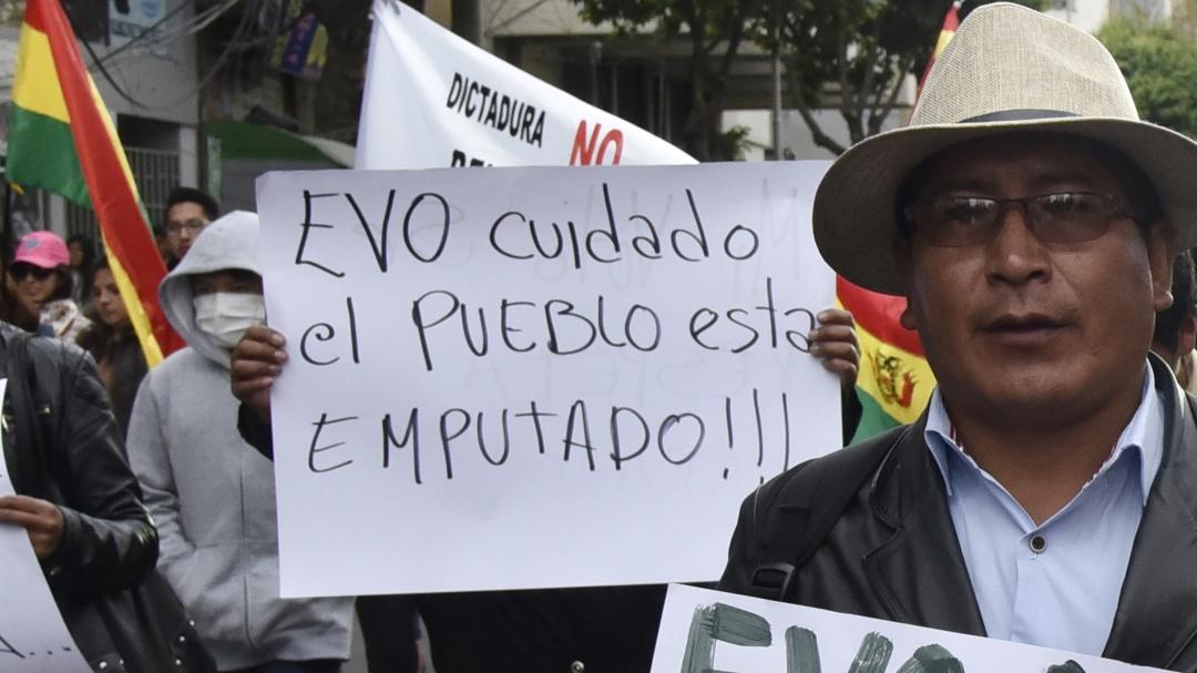 Suman 30 heridos en la jornada de protestas de este lunes en Bolivia