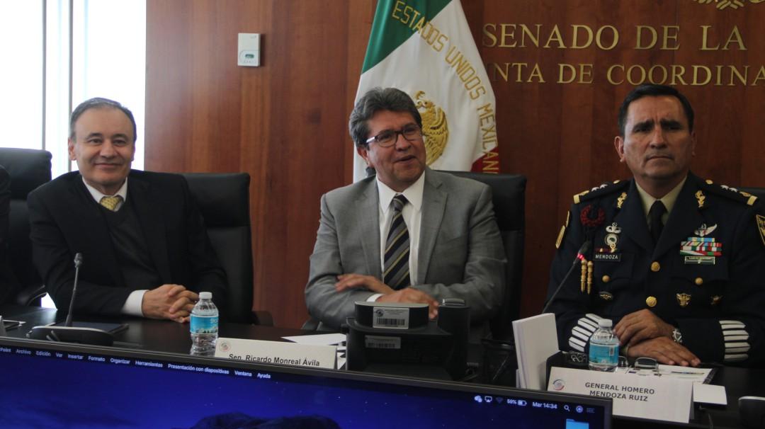 Durazo mantiene reunión con senadores