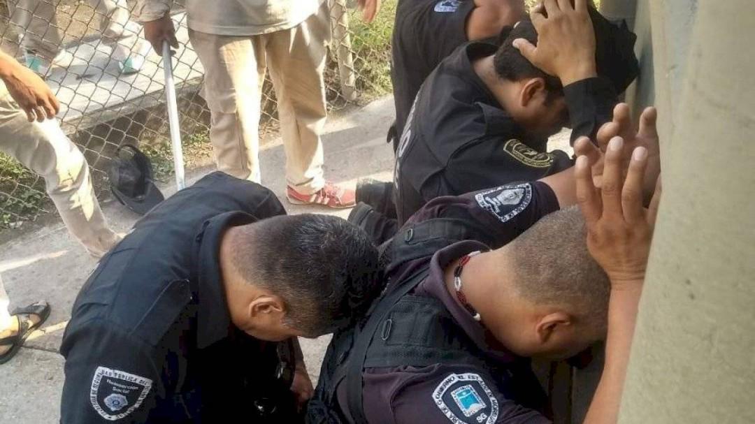 Matan a 6 reos en penal de Atlacholoaya en Morelos