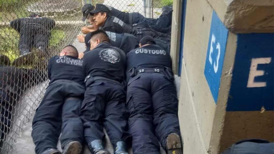 Paran custodios de penal de Atlacholoaya