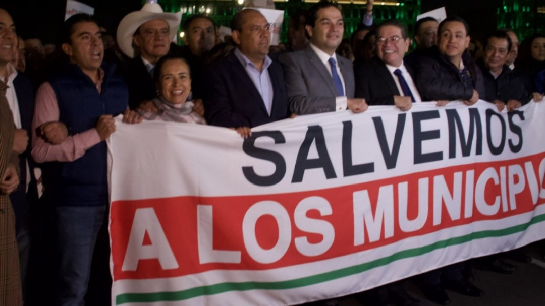 Anuncia Alfaro fondos de apoyo a los 125 municipios