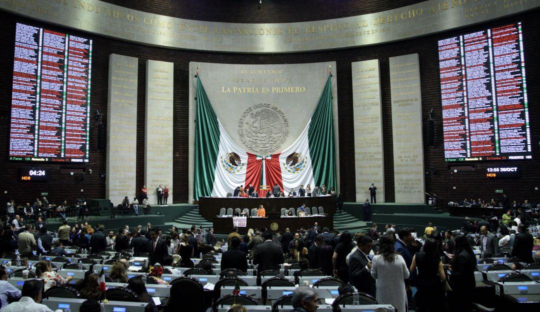 Aprueban diputados en lo general Revocación de Mandato y Consulta Popular