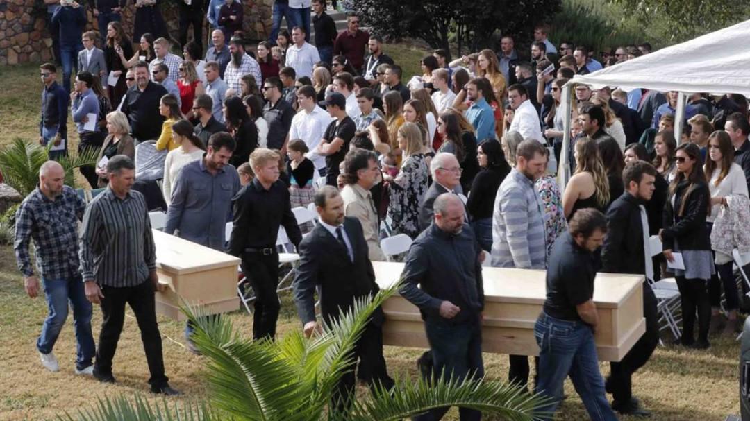 Despiden a tres víctimas del ataque contra familia LeBarón