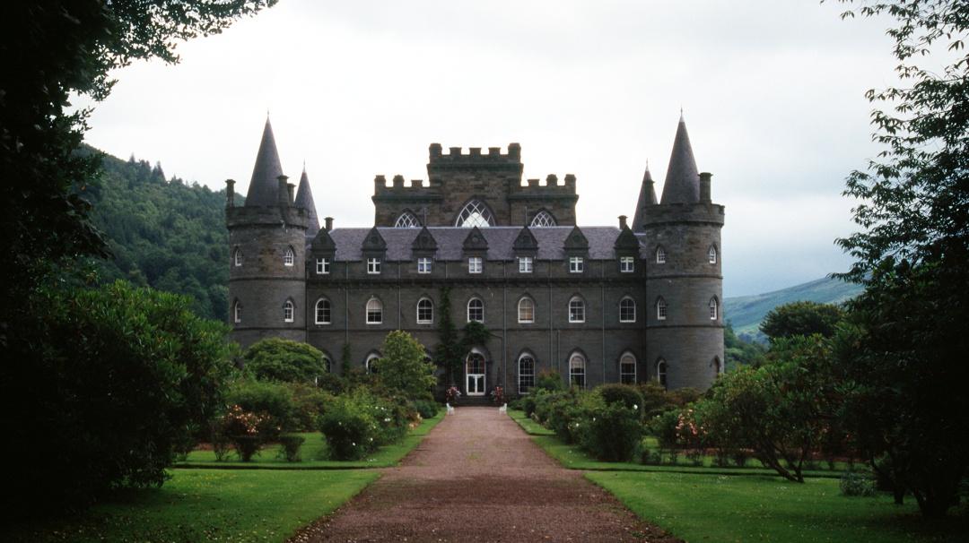 Podrías tener un castillo en Escocia, si tu apellido aparece en esta lista