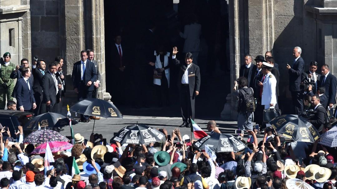 México le ofrece asilo a Evo Morales y recibe a 20 miembros del Ejecutivo