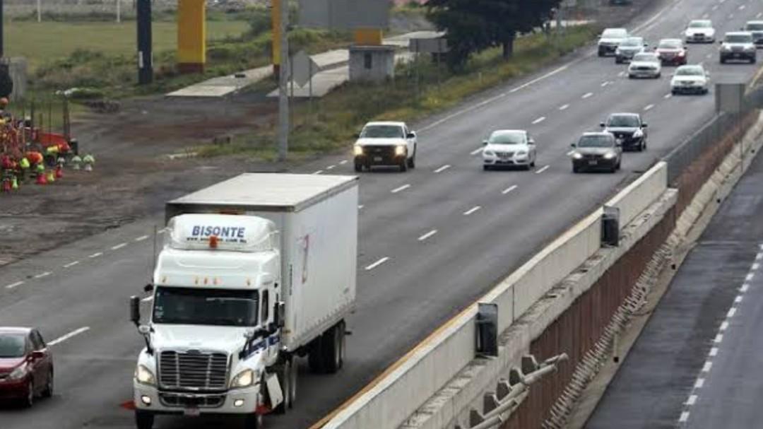 Inconformes con restricción de horarios a camiones de carga