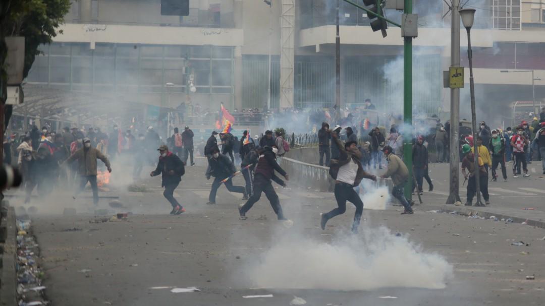 Suman 10 muertos por protestas en Bolivia