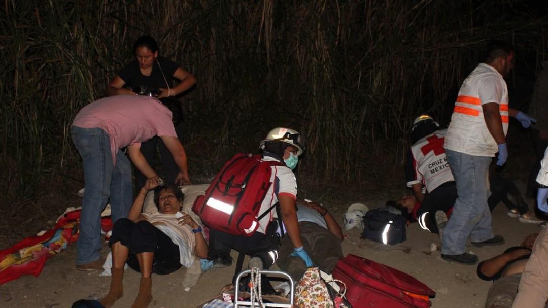 Accidente en Ocozocoautla, Chiapas deja 7 personas sin vida y 36 heridos