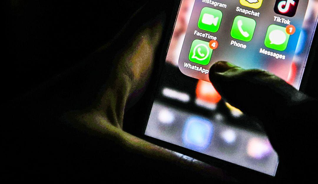 WhatsApp web presenta falla; cambia idioma en dispositivo