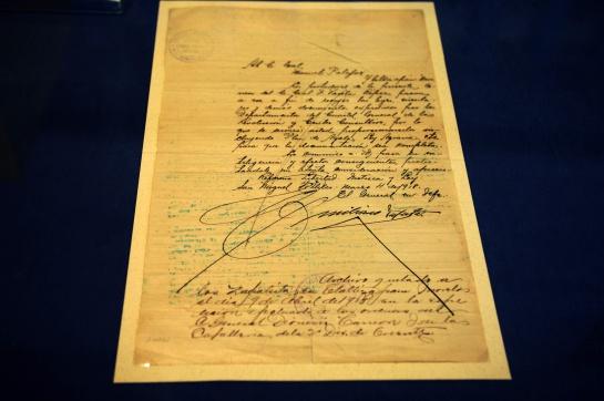 La universitaria compartió la emoción de conocer la letra de Emiliano Zapata y su firma