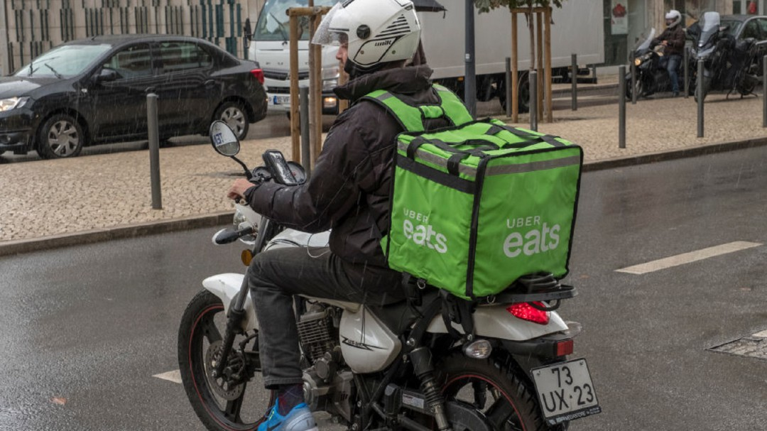 SOPITAS: Licencia especial para los repartidores en motocicletas