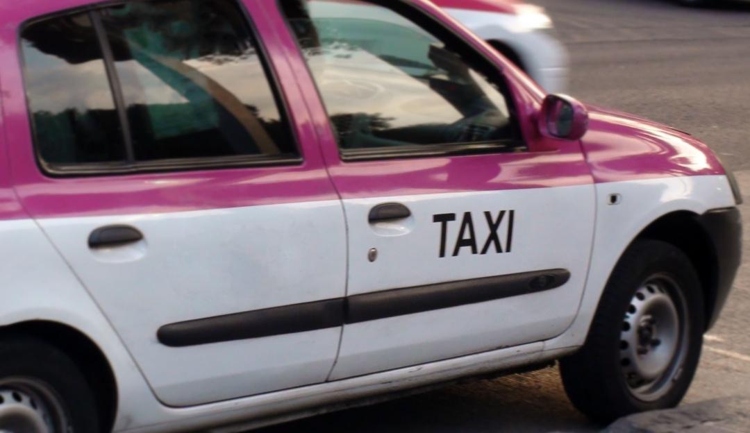 Sale a celebrar cumpleaños y taxista abusa de ella en la CDMX