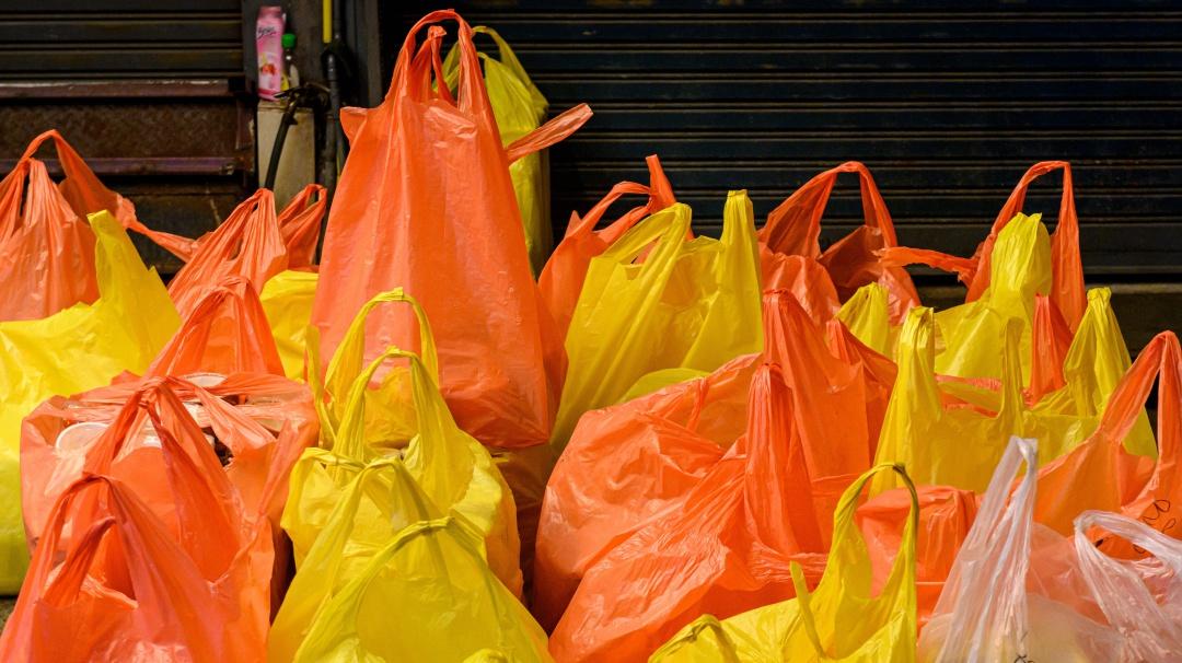 Adiós a las bolsas de plástico a partir del próximo año en la CDMX