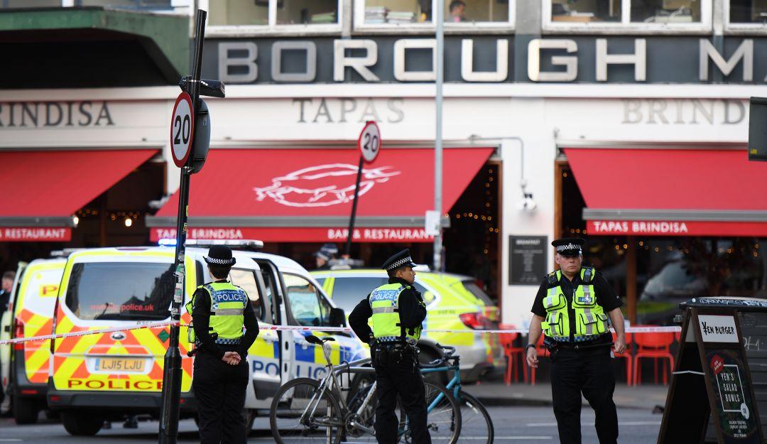 La policía británica corta el puente de Londres por un tiroteo