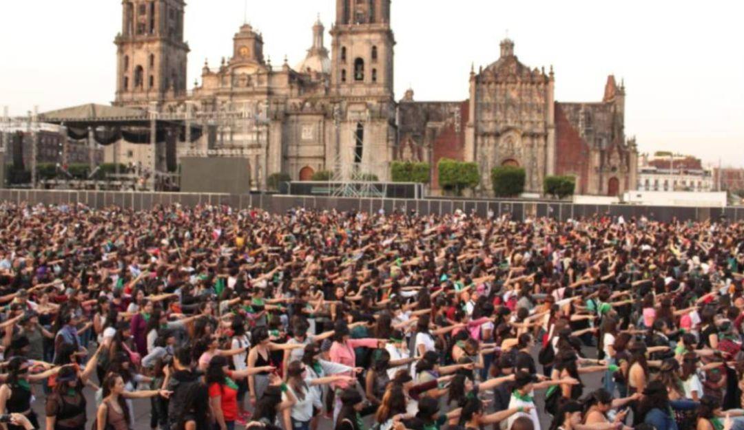 Al grito de #UnVioladorEnTuCamino; protestan contra violencia de género