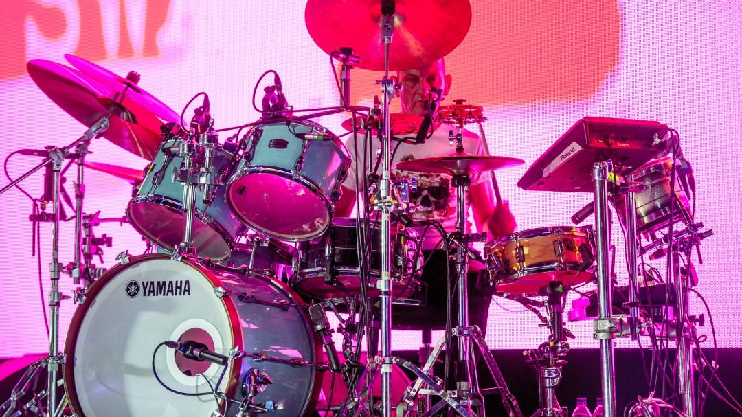 La ciencia lo confirma: bateristas son los más inteligentes en una banda