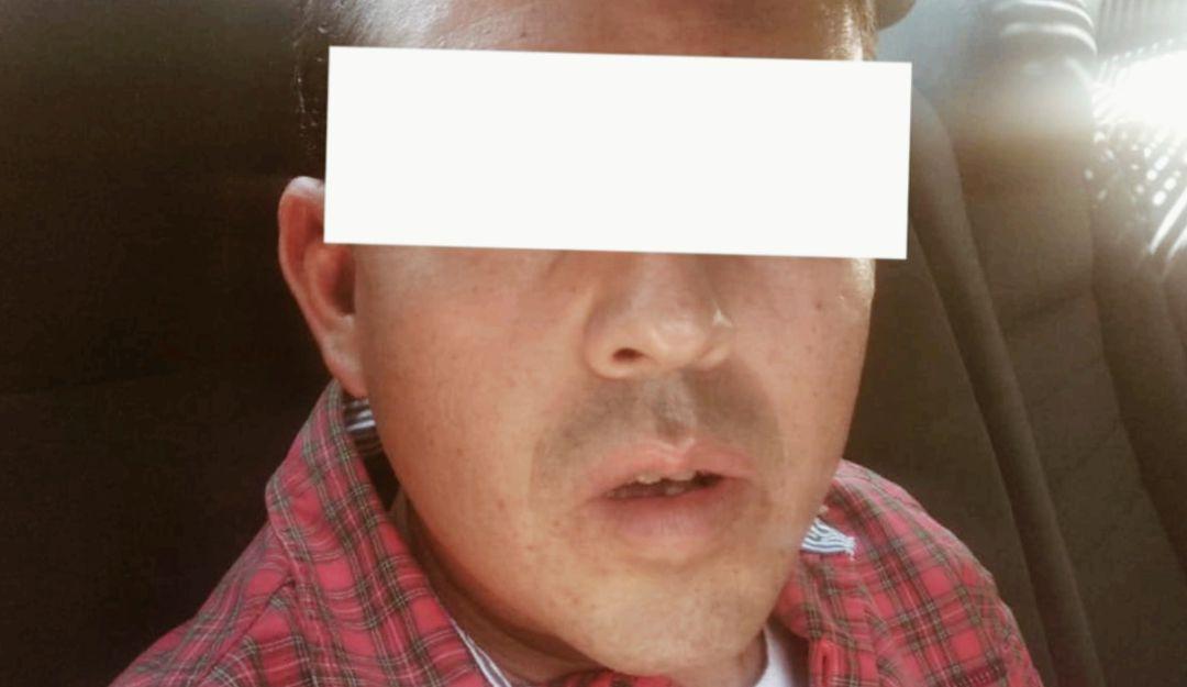 Detienen a un hombre con acreditación robada en FIL