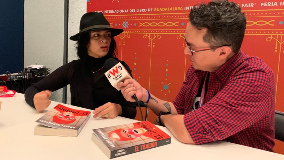 Los narcos son el mejor ejemplo de la globalización: Anabel Hernández