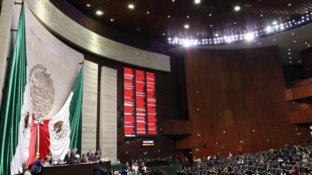 """A la """"congeladora"""" iniciativa de AMLO que eliminaría fuero constitucional"""