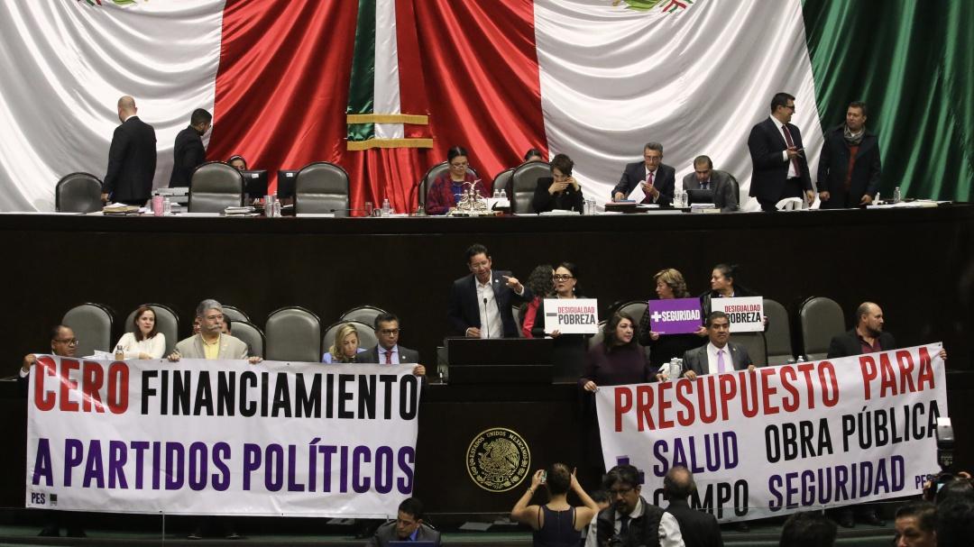 Diputados rechazan iniciativa para recortar 50% los recursos a partidos