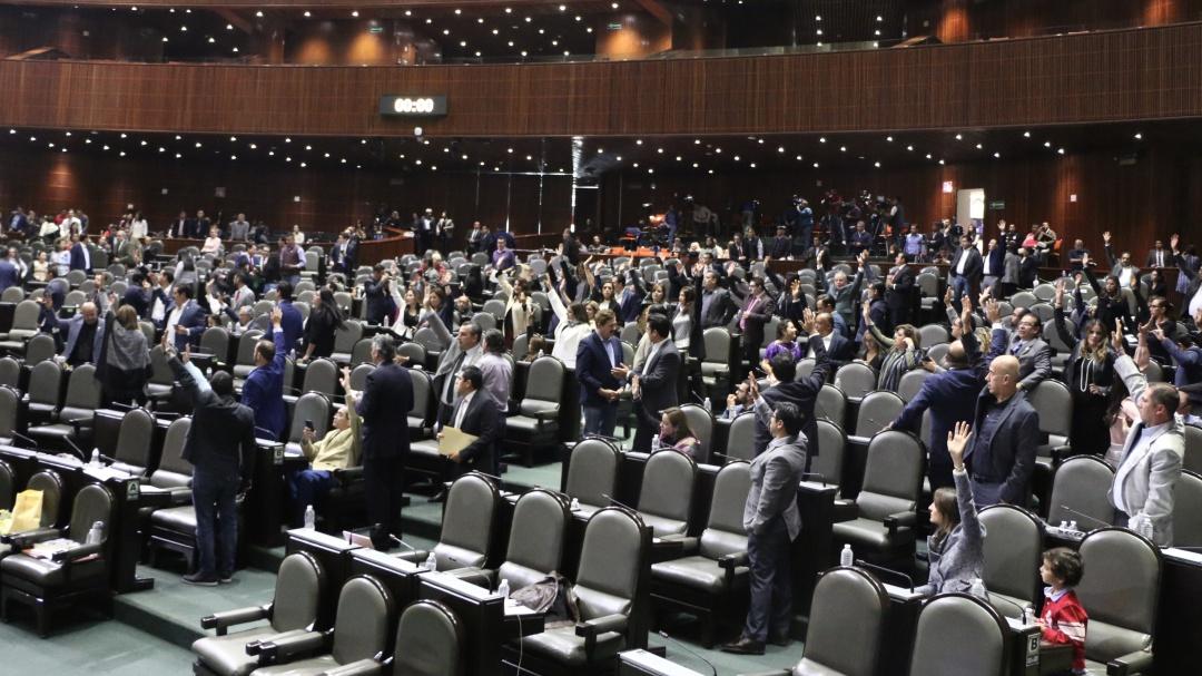 """Aprueban diputados """"Ley Nieto"""", pero descafeinada"""