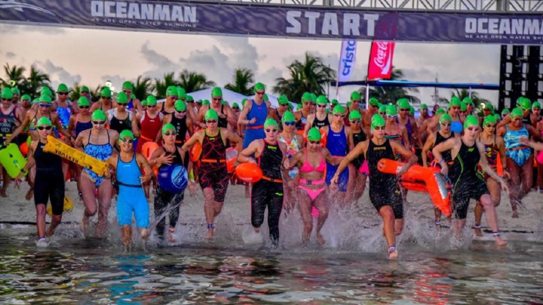 Mara Lezama preside final de Oceanman Cancún 2019
