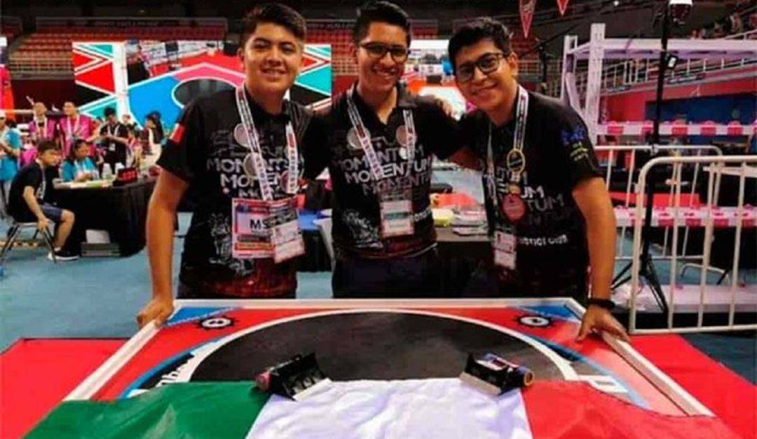 Mexicanos ganan concurso internacional de robótica en Beijín China