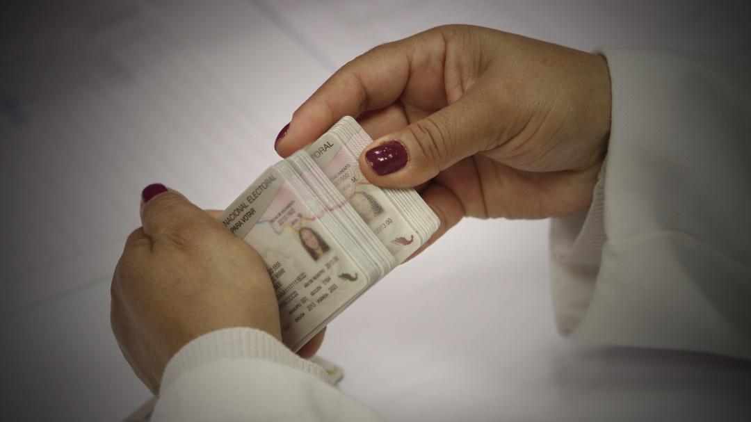 Así usan ahora credencial de elector y otras identificaciones para estafar