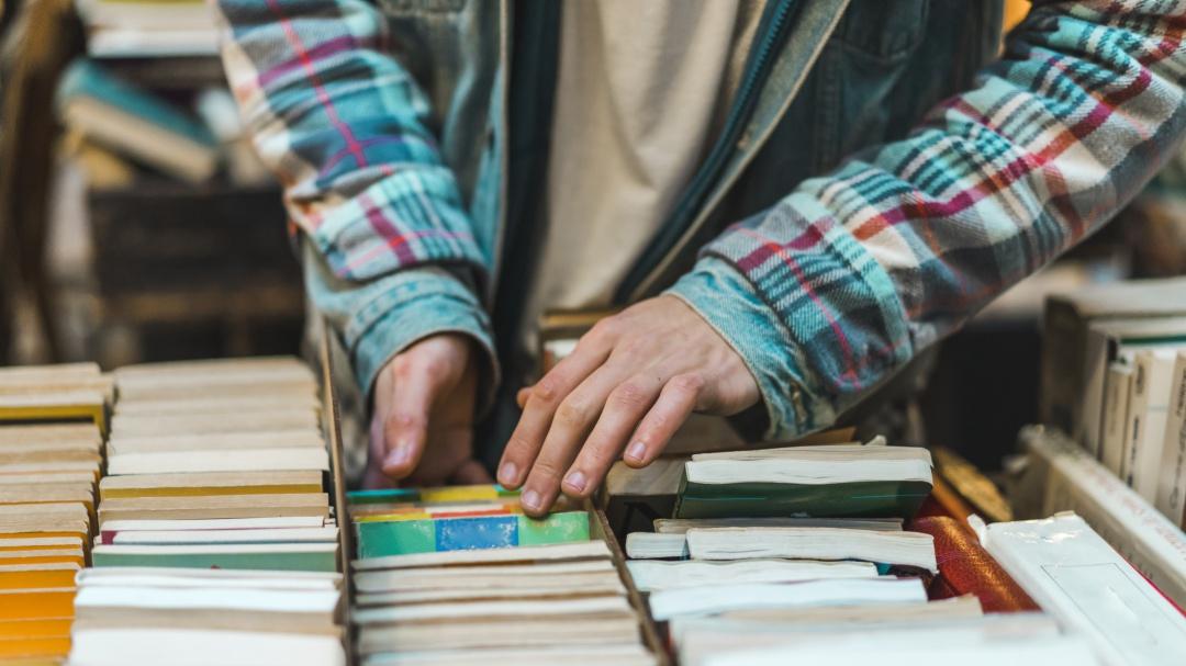 Arma tu plan; venta de libros desde los 9 pesos en Los Pinos