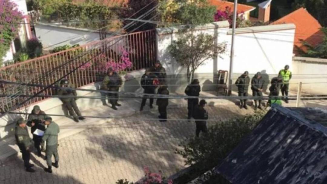 Bolivia confirma operativo contra servidores asilados en embajada de México