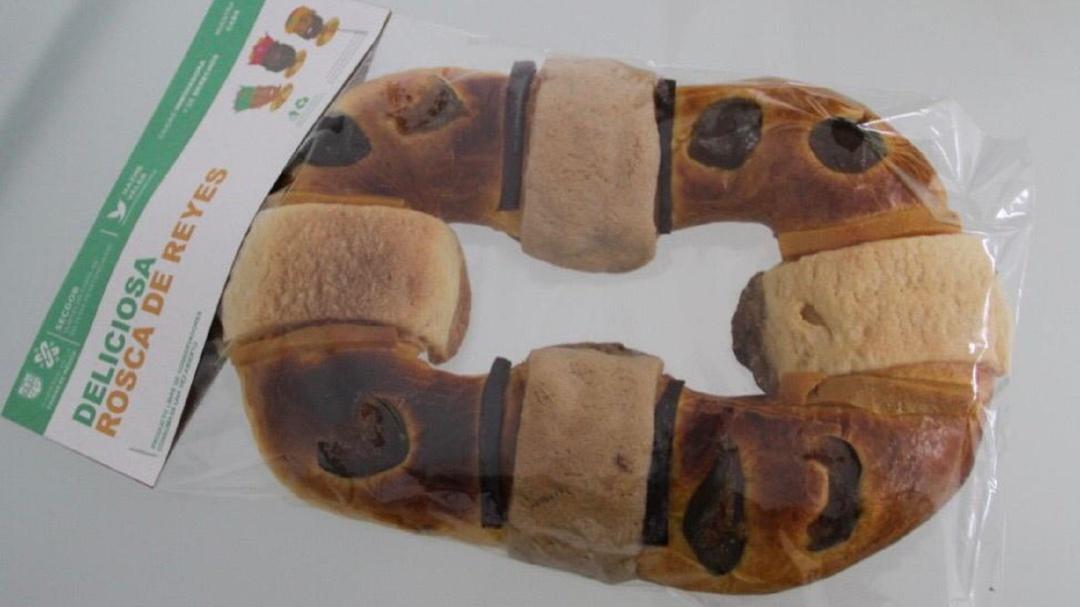 Elaboran presos Roscas de Reyes para vender al público