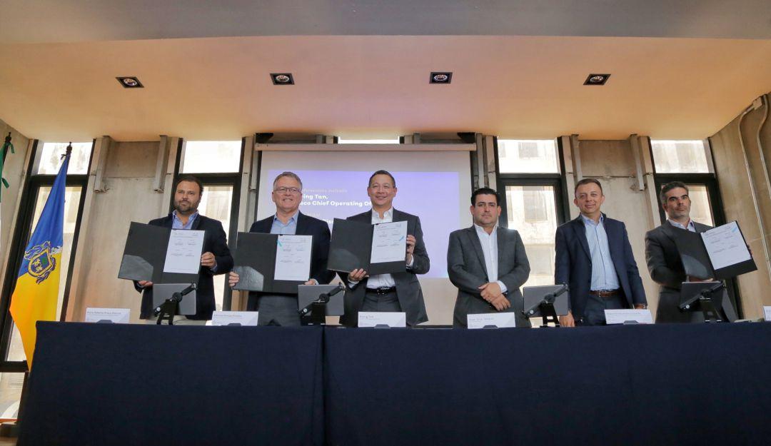 Jalisco firma convenio con Cisco para llevar internet