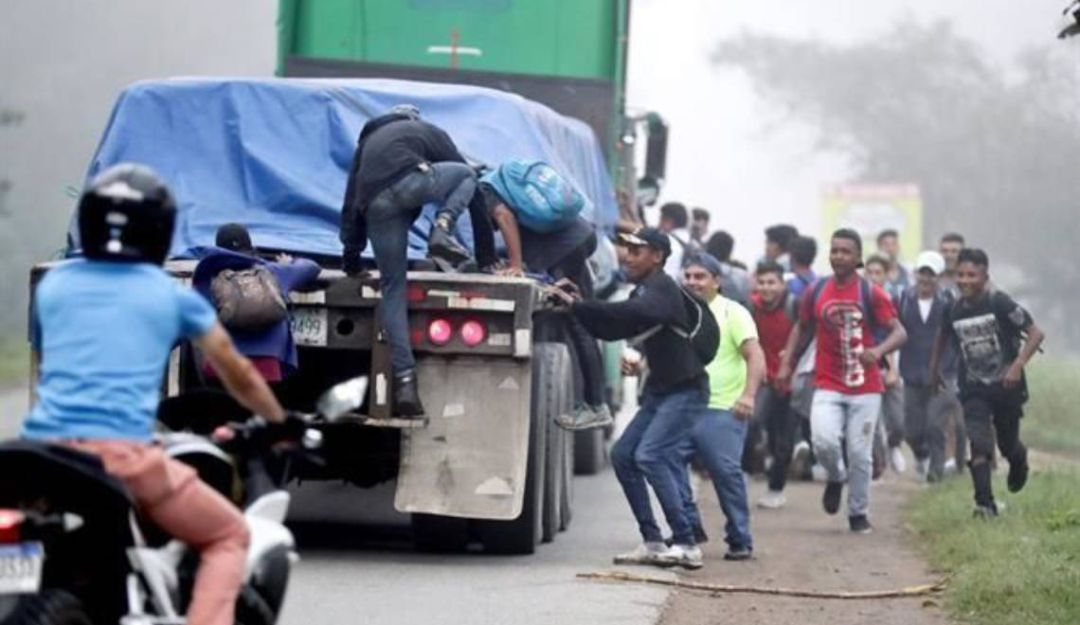 Avanza nueva caravana migrante de Honduras hacia EU