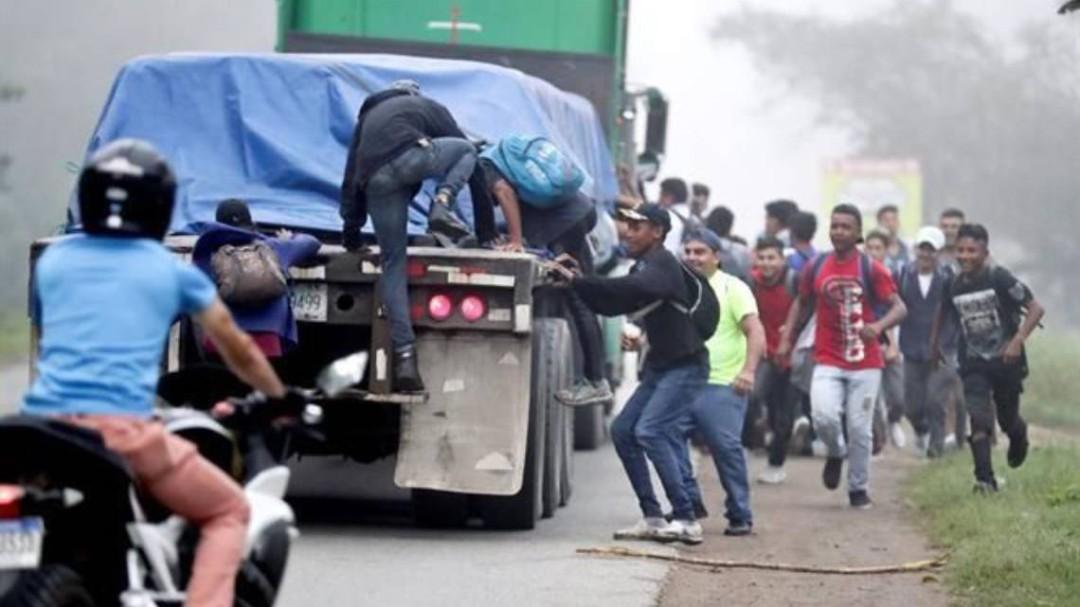 Avanza nueva caravana migrante de Honduras hacia EEUU