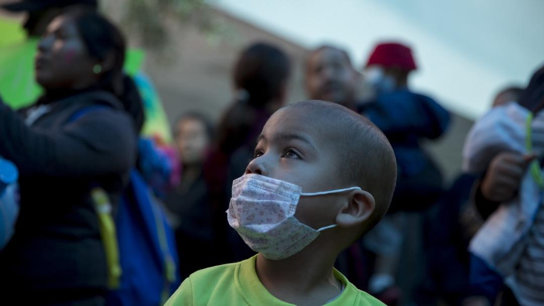 Padres de niños con cáncer denuncian desabasto de medicinas ante diputados