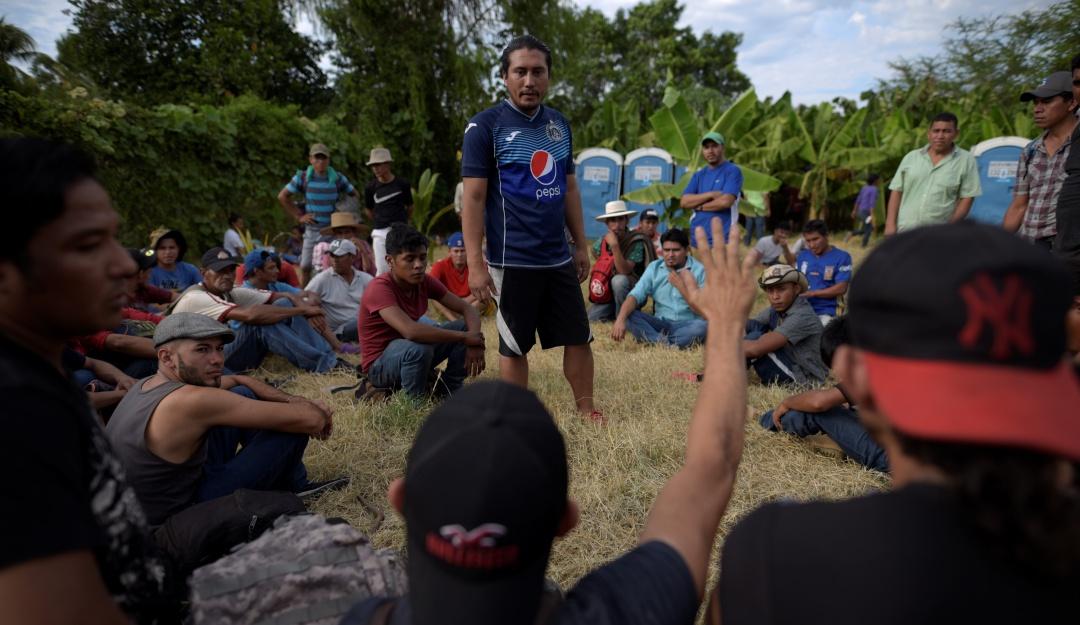 Ordena México acceso frente a caravanas de migrantes