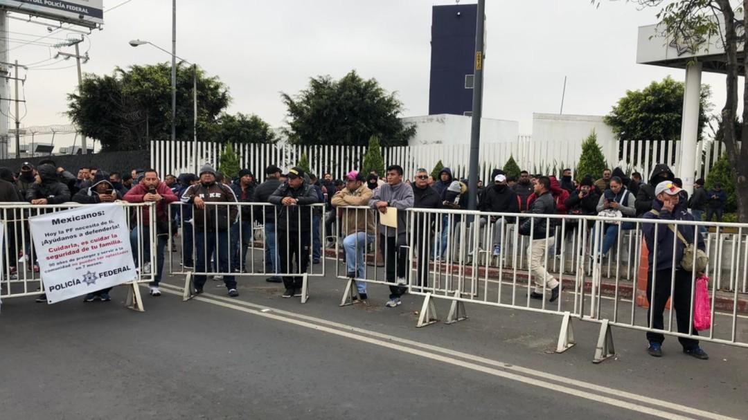 Policía Federal bloquea Periférico Oriente