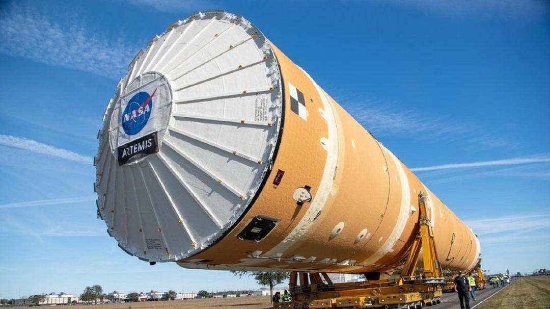 NASA crea poderoso megacohete SLS que podría llegar a la luna otra vez