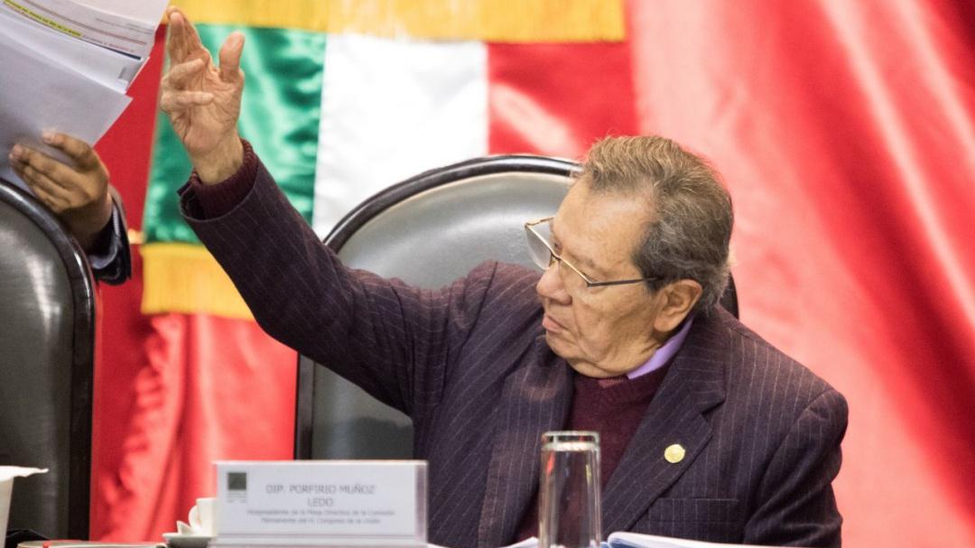 Exige Muñoz Ledo renuncia del comisionado del INM por maltrato a migrantes