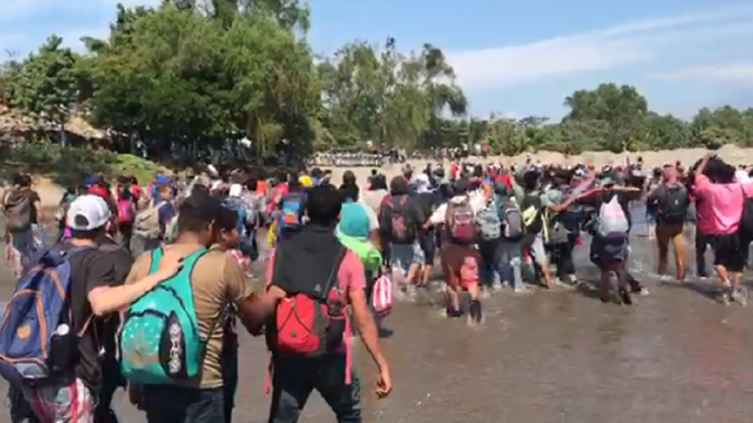 Migrantes que huyen de violencia deben ser acogidos por México: ACNUR