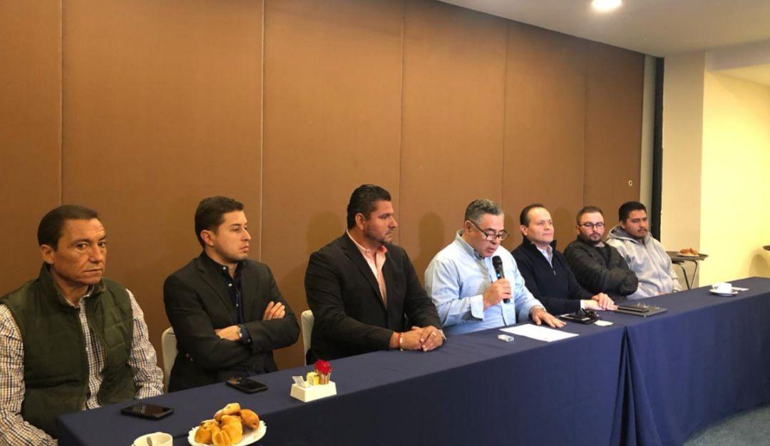Denuncian grúas piratas en Jalisco