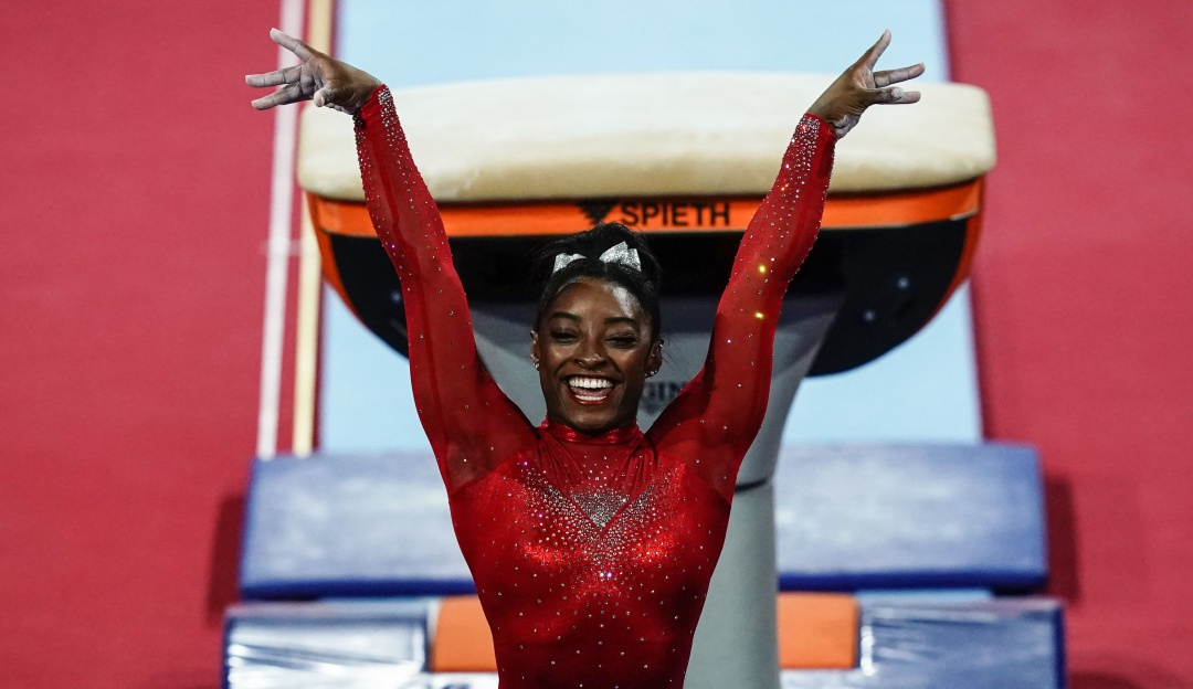 Simone Biles nuevamente sorprende con un salto rumbo a Tokio 2020