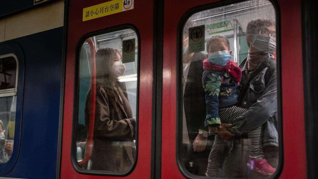 Aumenta a 425 el número de muertos por coronavirus en China