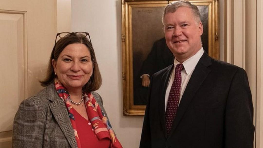 Viene a México Michael Kozak, subsecretario de Estado de EU