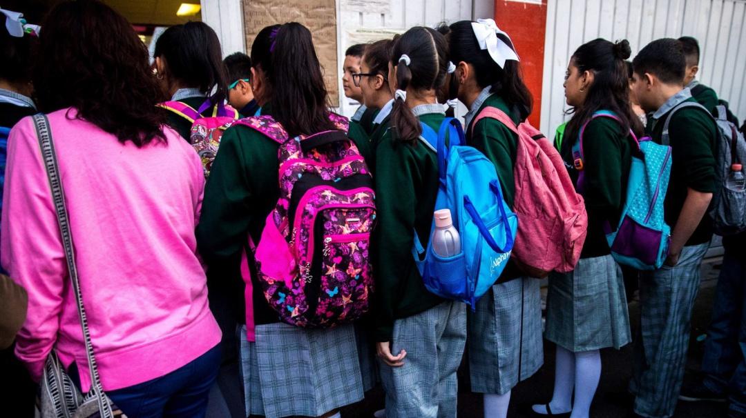 ¿Adiós a los puentes?; AMLO planteará cambios al próximo ciclo escolar