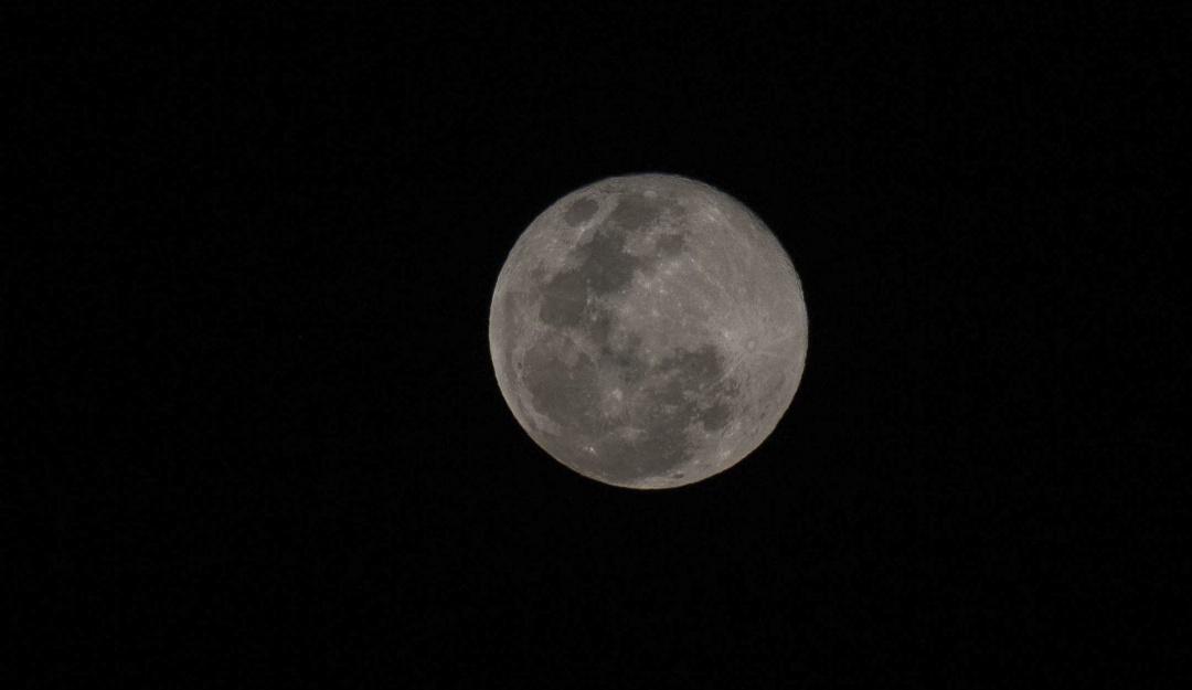 """Prepárate para la """"Luna de Nieve""""; aquí te decimos cuándo y cómo verla"""